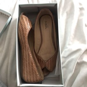 GUC Mia Braided Tan Open Toe Flat Size 8.5